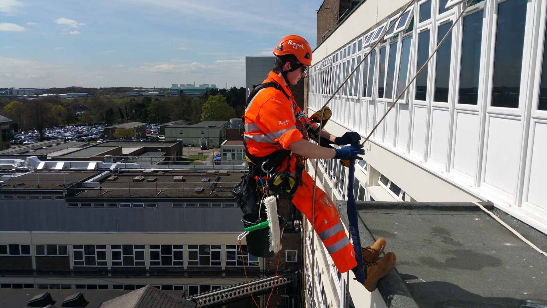 Rappel IRATA Industrial Rope Access Abseiling - Water Ingress Investigation and Remedial Works London