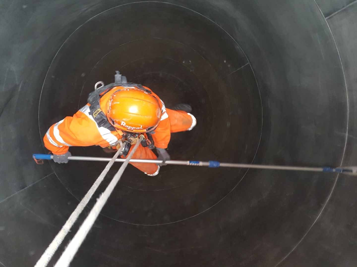 Rappel Rope Access and Confined Space PET pellet silo cleaning works